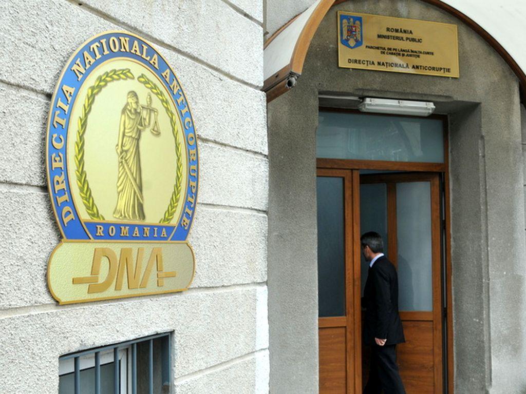 DNA: Au loc percheziţii la sediul Sindicatului Liber Metrou, la locuinţa liderului de sindicat Ion Rădoi, precum şi la Primăria Sectorului 3 şi a Sectorului 5