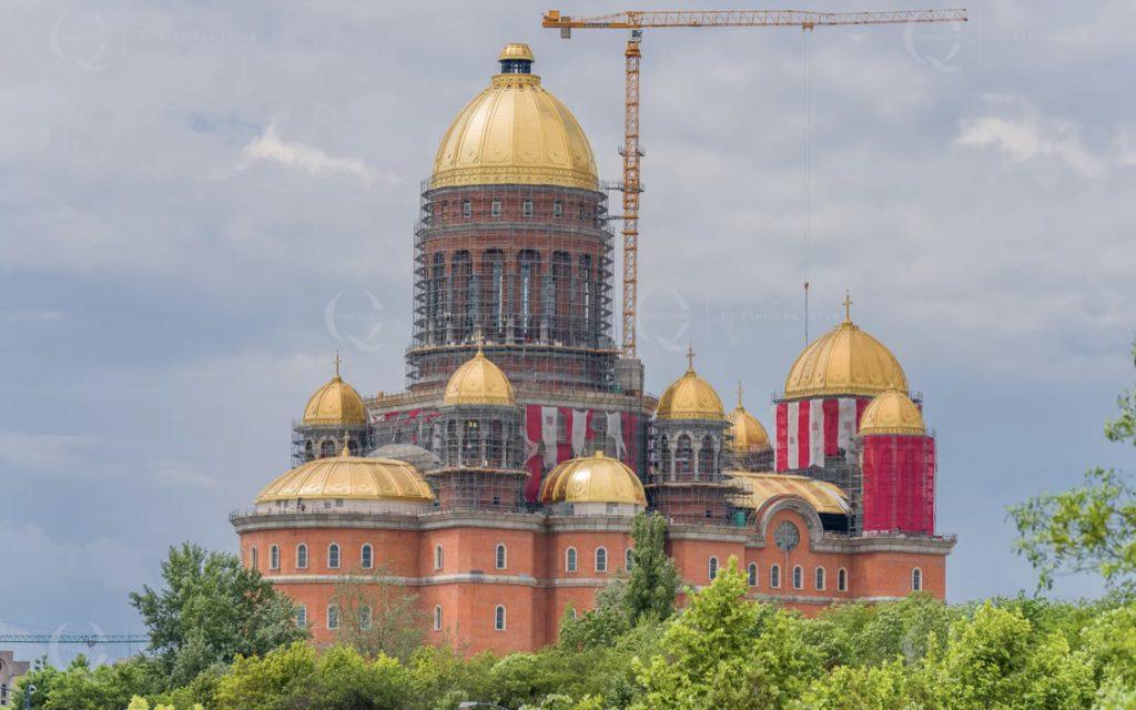 """Cât a costat tabla din cupru aurit pusă pe Catedrala Mântuirii Neamului?.""""Este cel mai scump lucru cu care se poate acoperi ceva"""""""