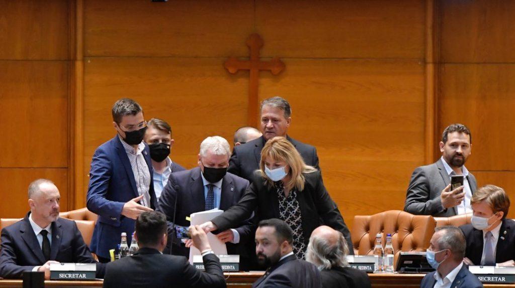 Începe nebunia în Parlament: cum poate pierde PNL-ul șefia Camerei Deputaților, după demisia lui Orban